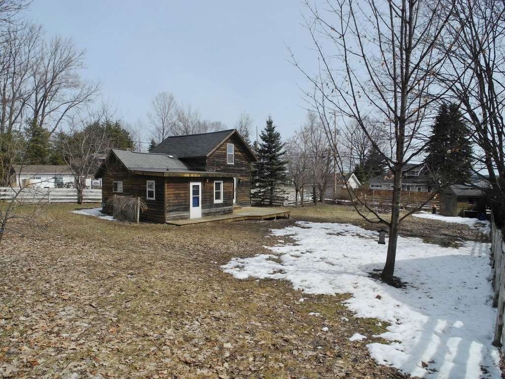 616 N St Mary's Street, Suttons Bay- FOR SALE by Oltersdorf Realty LLC (1).JPG