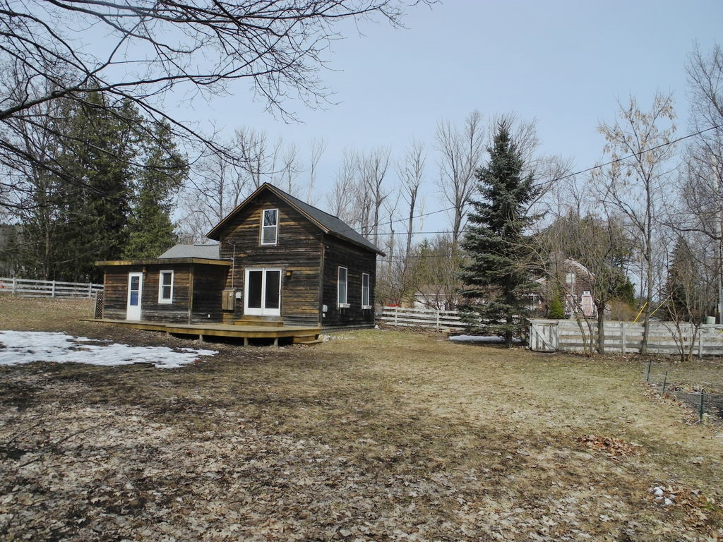 616 N St Mary's Street, Suttons Bay- FOR SALE by Oltersdorf Realty LLC (4).JPG