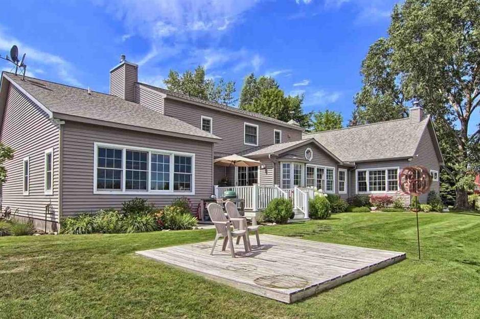 4041 S Whitehill Drive, Cedar - Sold by Oltersdorf Realty LLC (2).JPG