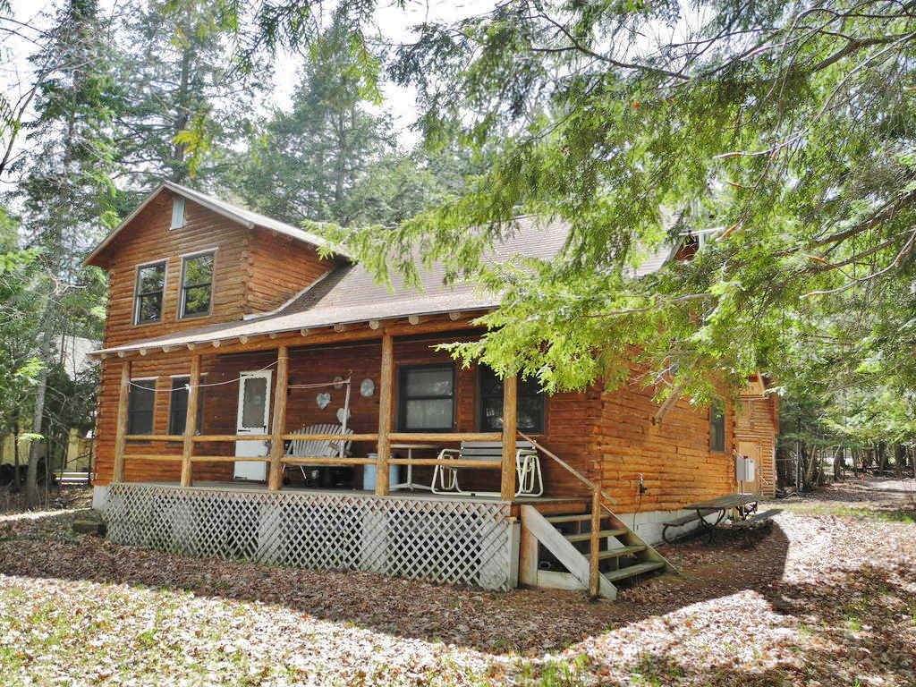 8688 N Dawn Haven Road, Northport, MI – House & 74' of Sandy Frontage on Grand Traverse Bay - For Sale by Oltersdorf Realty LLC (1).JPG