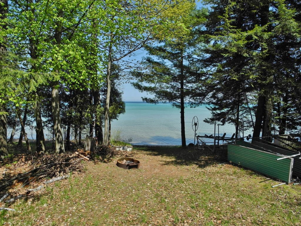 8688 N Dawn Haven Road, Northport, MI – House & 74' of Sandy Frontage on Grand Traverse Bay - For Sale by Oltersdorf Realty LLC (2).JPG