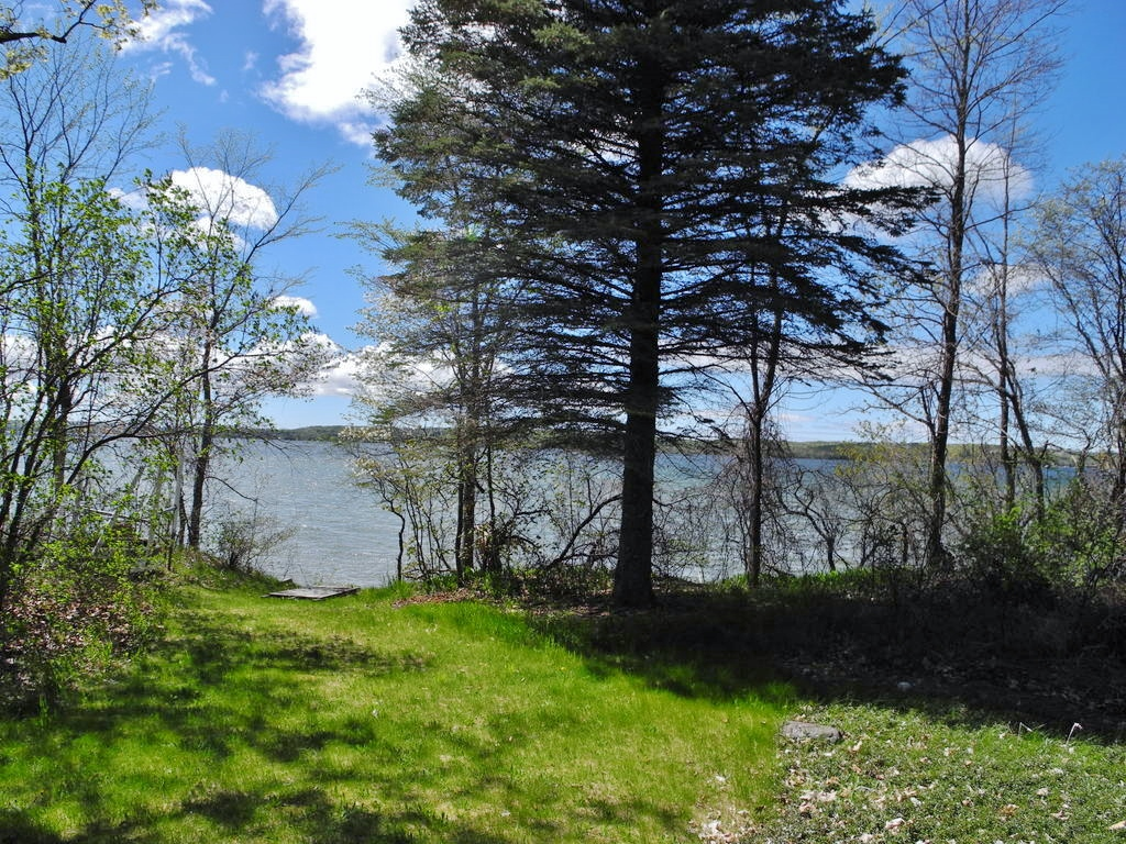 8164 S Lakeview Road, Traverse City, MI – Ranch Home & 100' on Lake Leelanau - For Sale by Oltersdorf Realty LLC (4).JPG