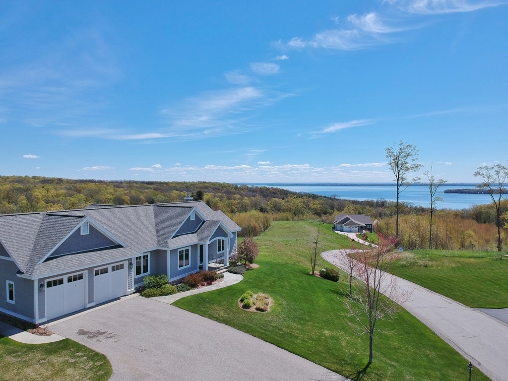 1900 N Blue Water Ct, Suttons Bay, MI – Ranch Home & Water Views - For Sale by Oltersdorf Realty LLC (1).JPG