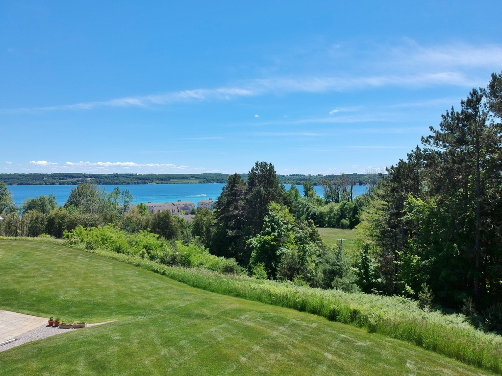 895 N Bay Cliff Drive #23, Suttons Bay – FOR SALE by Oltersdorf Realty LLC, Suttons Bay Real Estate (7).JPG