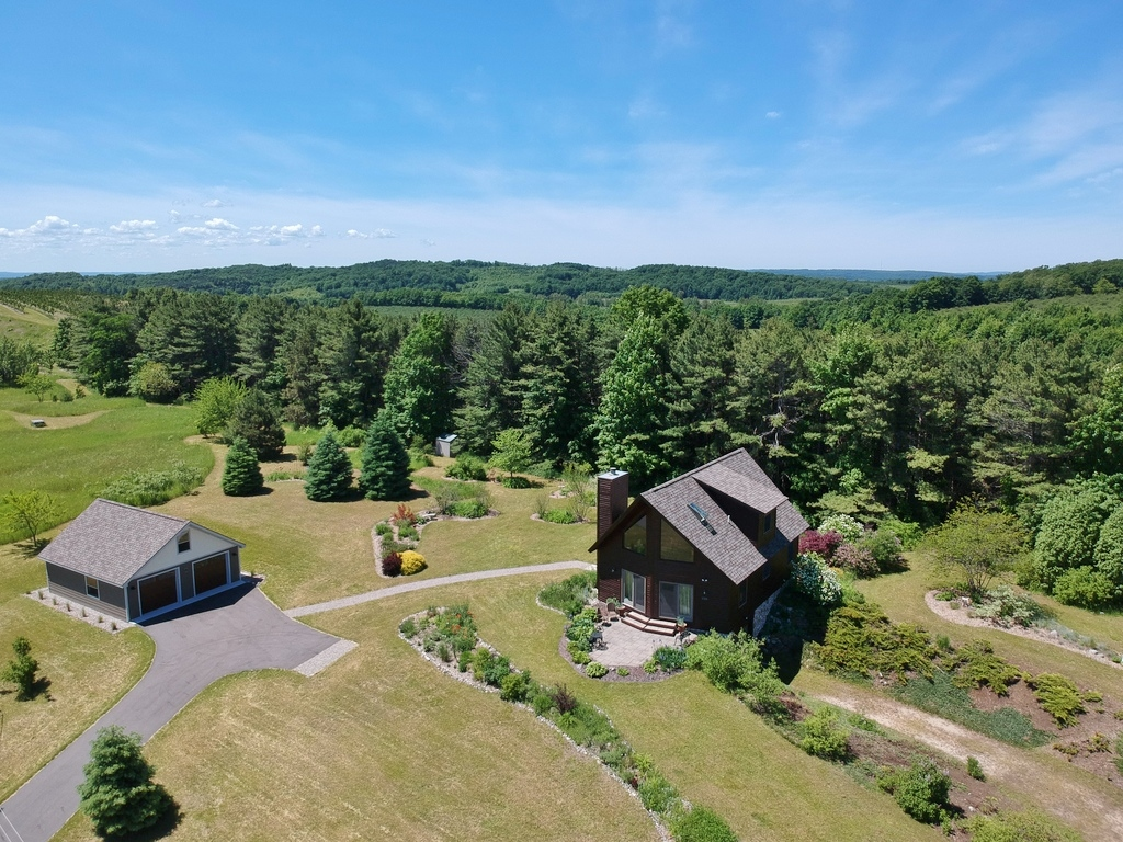 1101 N Morning View Lane, Suttons Bay – FOR SALE by Oltersdorf Realty LLC (1).JPG