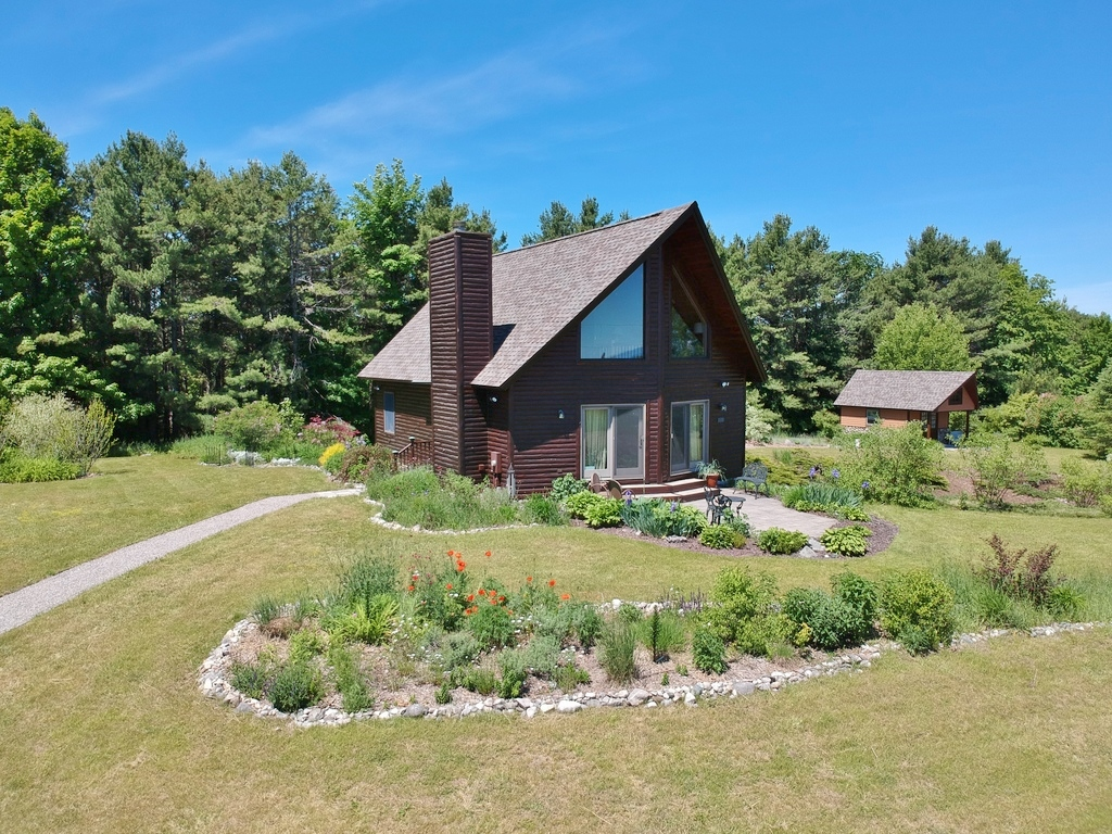 1101 N Morning View Lane, Suttons Bay – FOR SALE by Oltersdorf Realty LLC (6).JPG