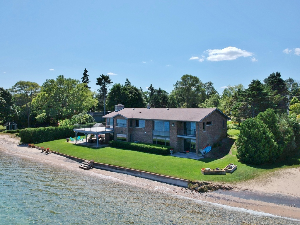 12131 S West-Bay Shore Drive, Traverse City – FOR SALE by Oltersdorf Realty LLC (1).JPG