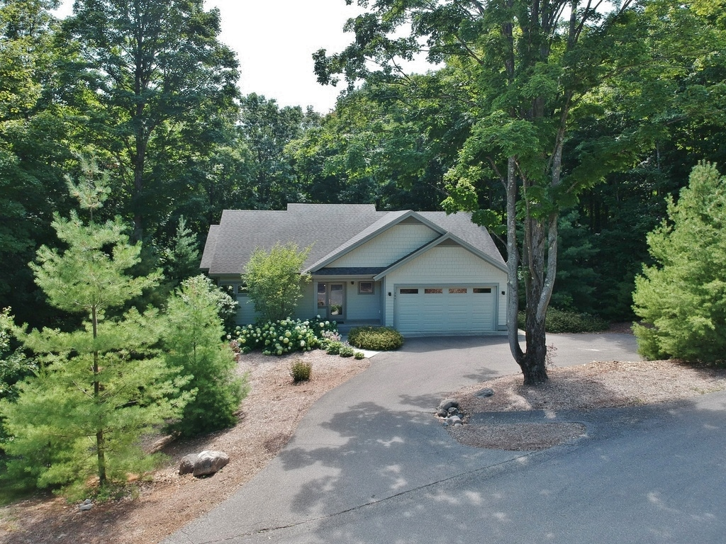 344 W Jefferson Ave, Suttons Bay, MI – Newer Village of SB Walkout Ranch Home for sale by Oltersdorf Realty LLC (2).JPG