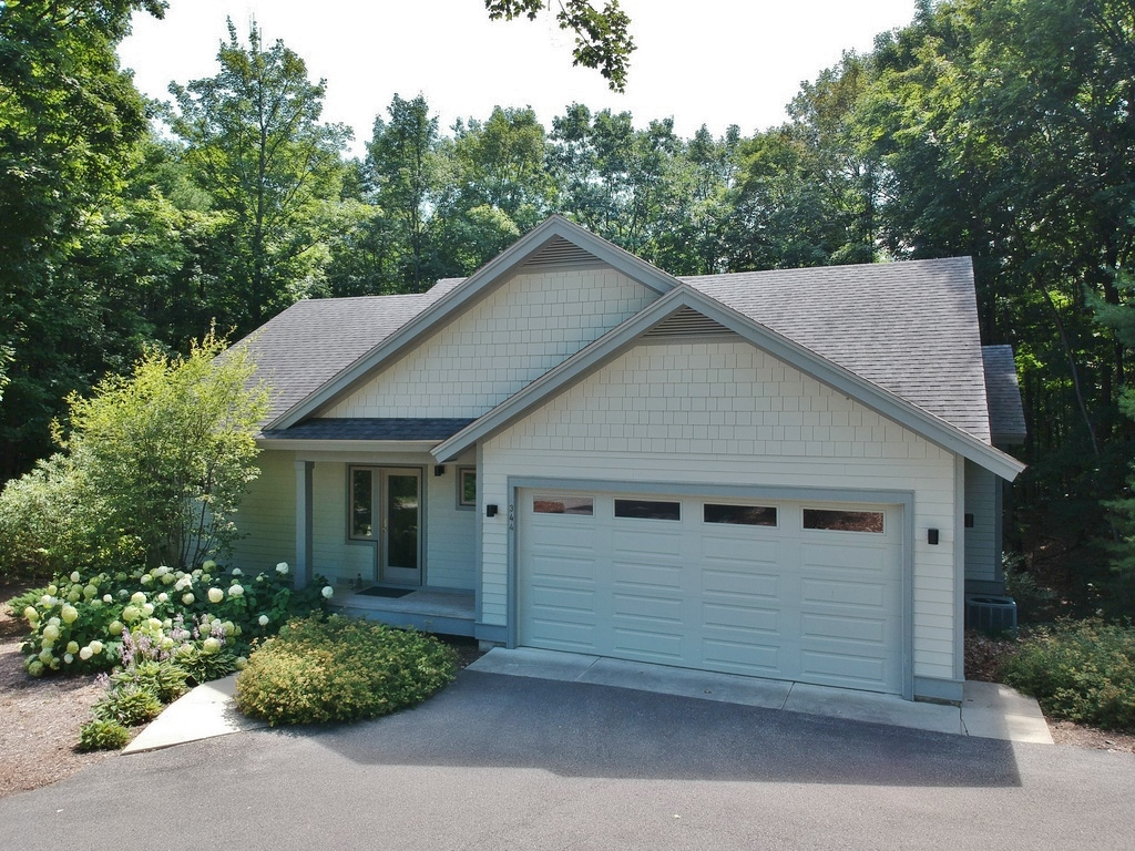 344 W Jefferson Ave, Suttons Bay, MI – Newer Village of SB Walkout Ranch Home for sale by Oltersdorf Realty LLC (3).JPG