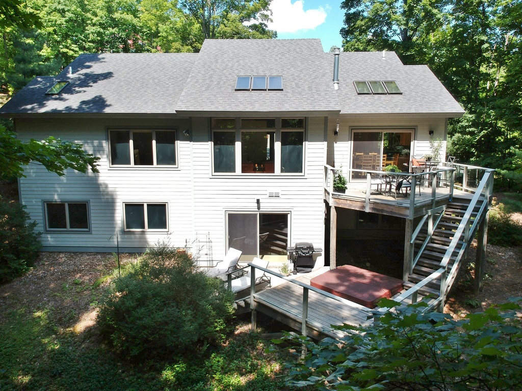 344 W Jefferson Ave, Suttons Bay, MI – Newer Village of SB Walkout Ranch Home for sale by Oltersdorf Realty LLC (6).JPG