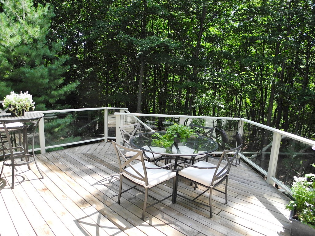 344 W Jefferson Ave, Suttons Bay, MI – Newer Village of SB Walkout Ranch Home for sale by Oltersdorf Realty LLC (8).JPG
