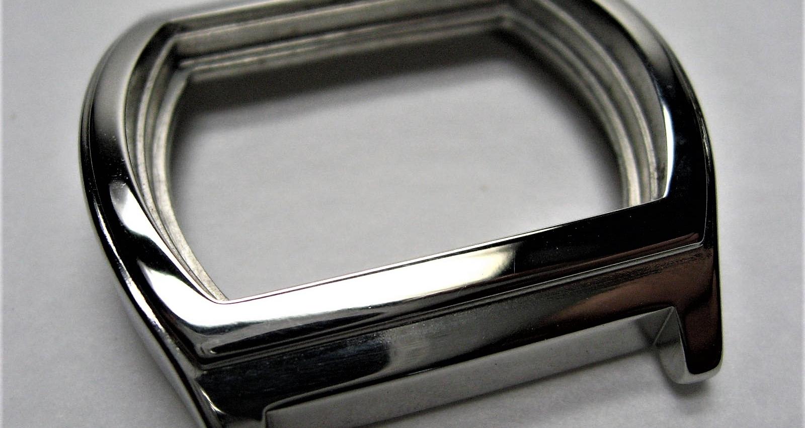 HOrloge - - Ontbramen en polijsten van horlogekasten- Vervangt of beperkt handmatige bewerkingen