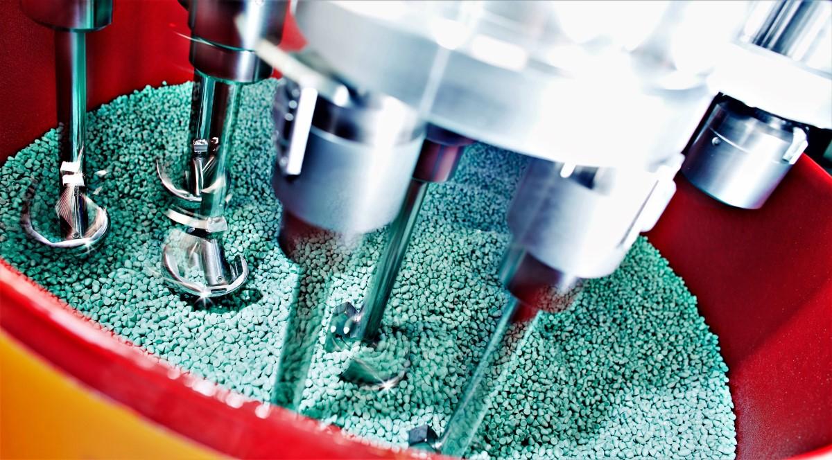 medische implantaten - - Glad maken en polijsten van implantaten/protheses/kunstgewrichten voor kniegewrichten, heupgewrichten, etc.- Een glad en krasloos implantaat, verlengt de levensduur van het kunstgewricht- Ra 0.01 μm mogelijk- Geschikt voor diverse materialen zoals titanium, keramiek, RVS en kunststoffen