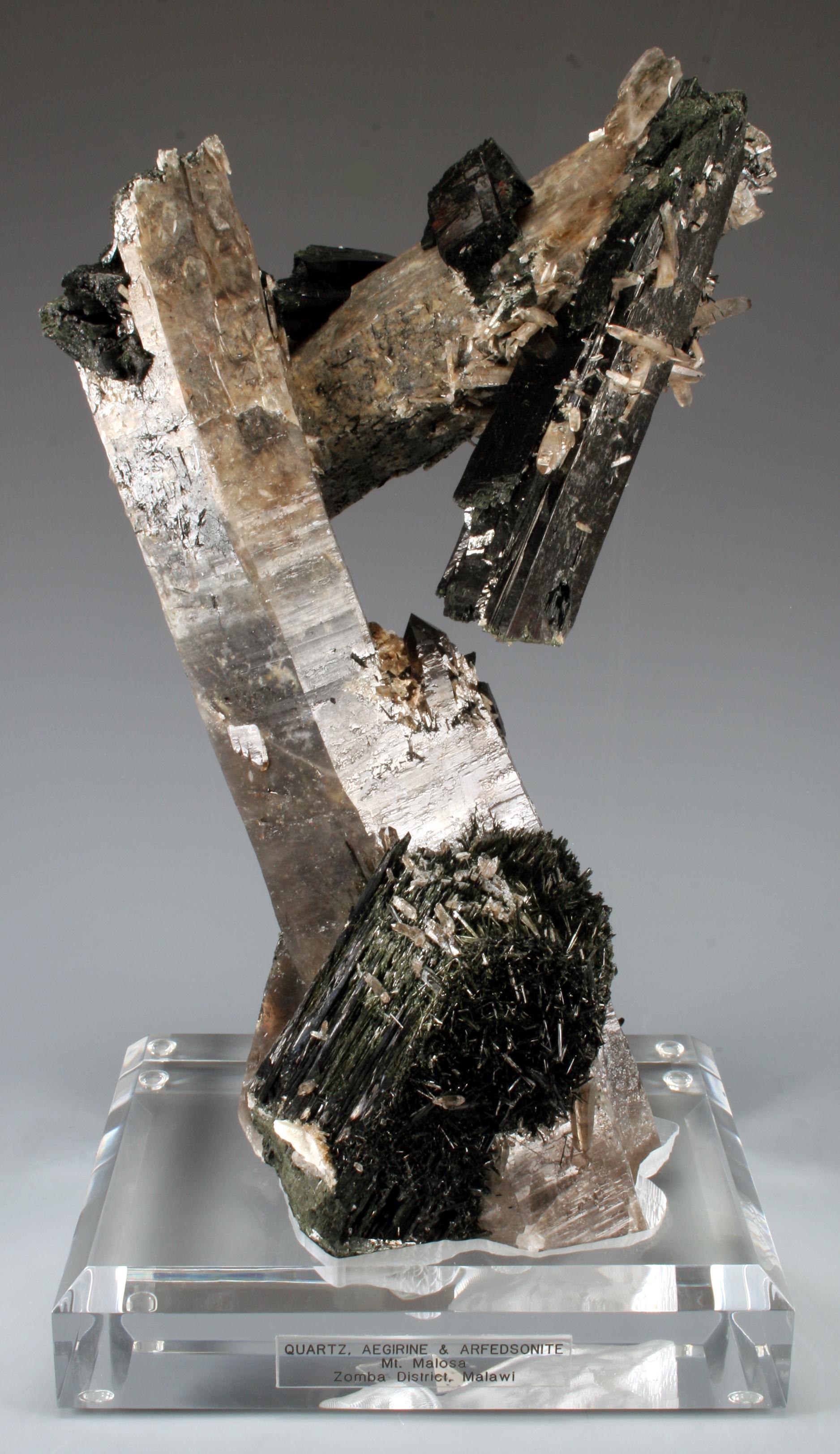 Quartz/Arfedsonite/Aegirine