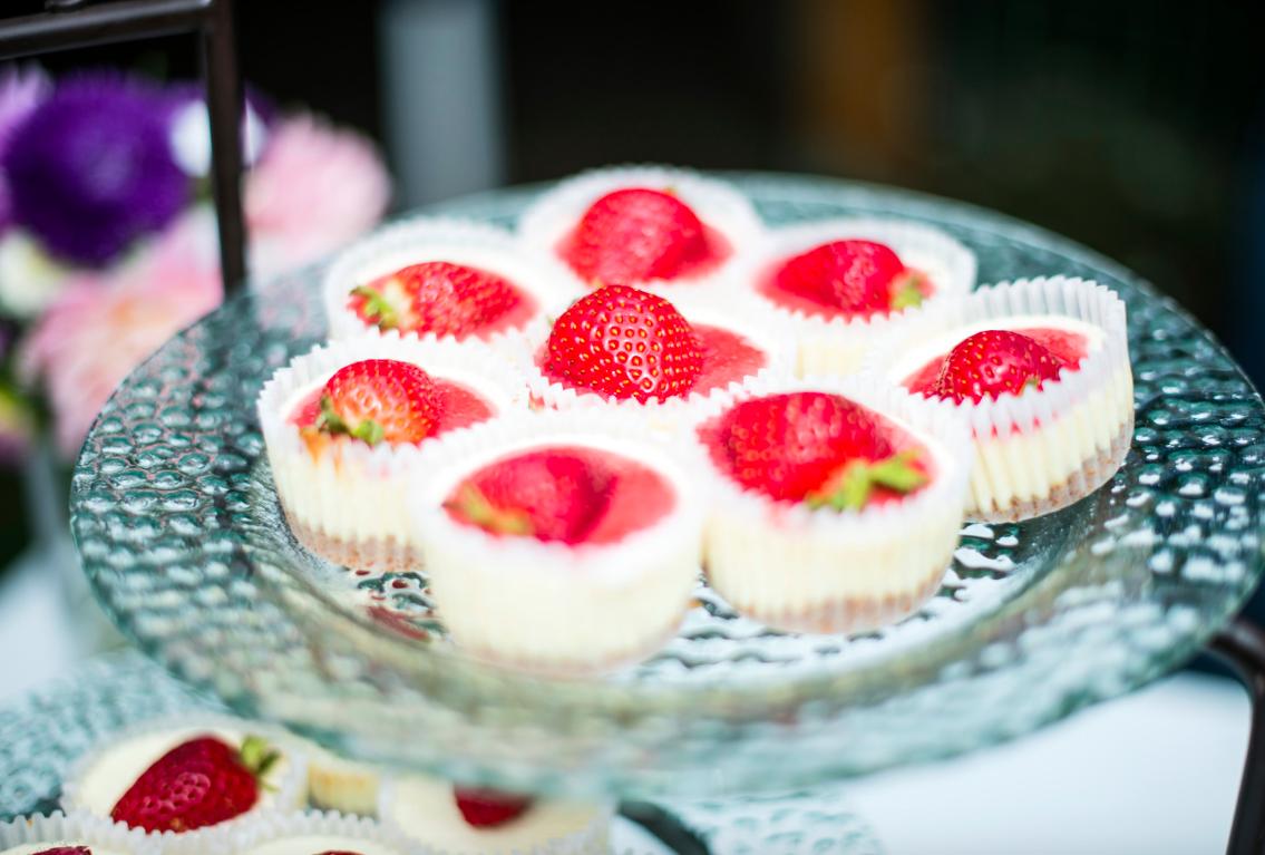 homemade-strawberry-cheesecake-bites