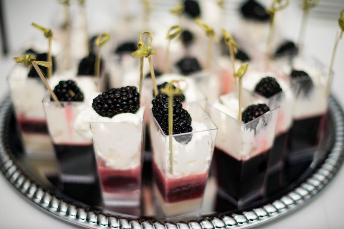 blackberry-jello-dessert-shots