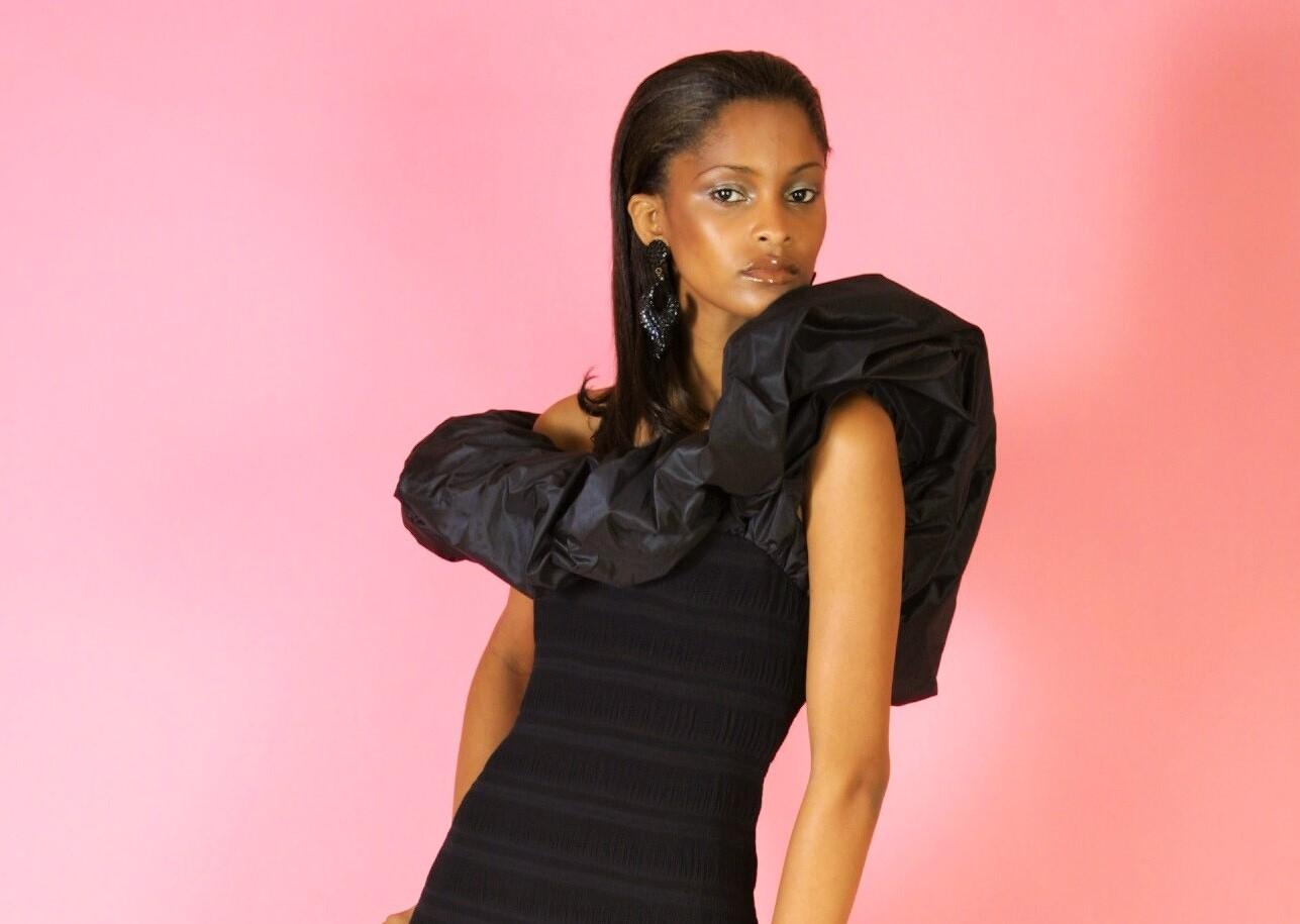 Asymmetric flounced one-armhole/one-shoulder gown