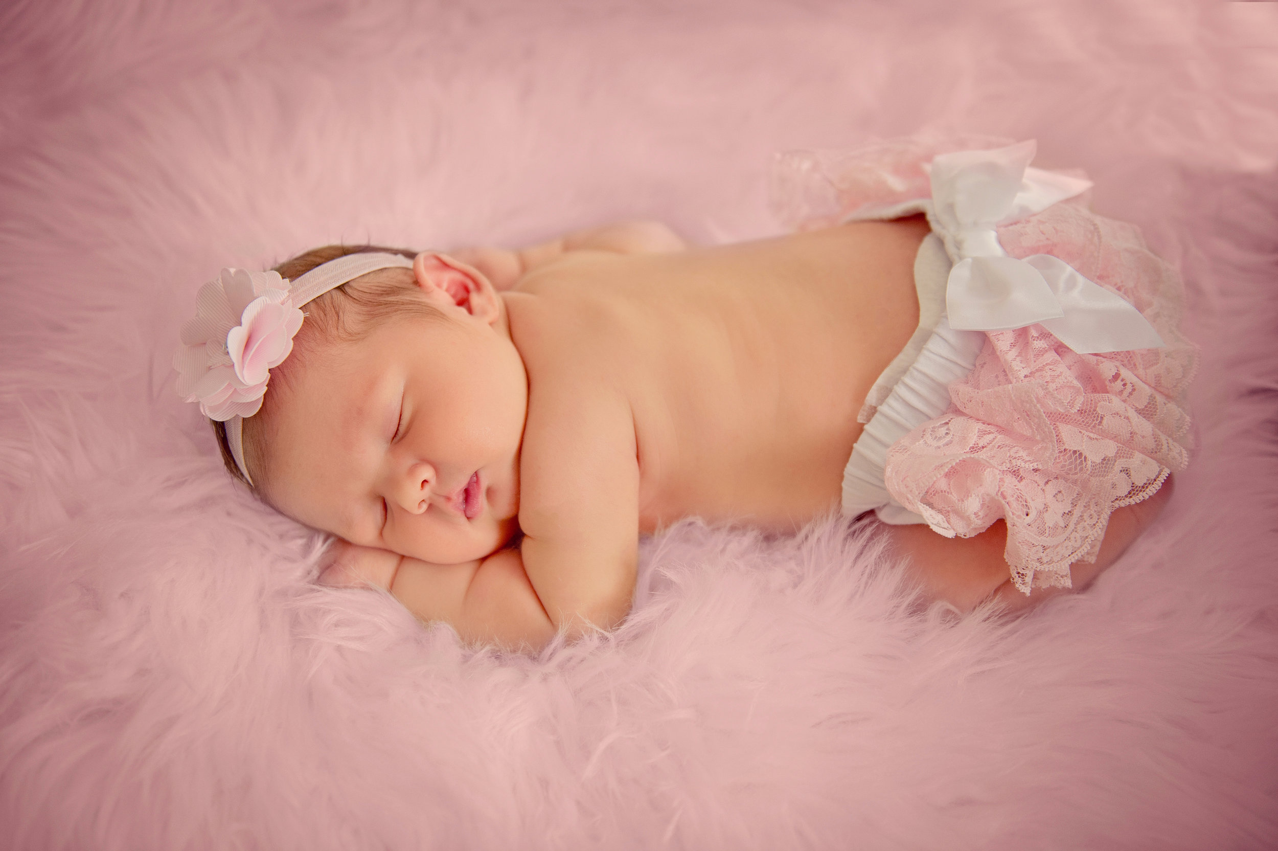 Ables Newborn SS-1.jpg