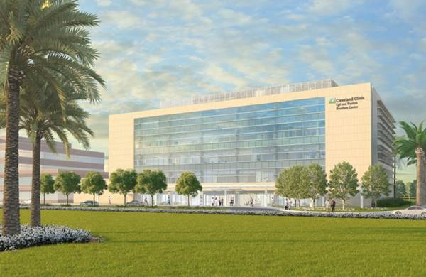 Cleveland Clinic's Weston Neurological and Cancer Building - Weston, FL
