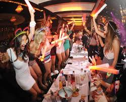 20% off Caesars Palace Brunch - Check it out get an automatic 20% off of the cities hottest party brunch. Each sunday you can expect to see the hottest of the hot at this naughty Sin City brunch. All you can eat, bottomless mimosas and a banging dj make this the place to be.
