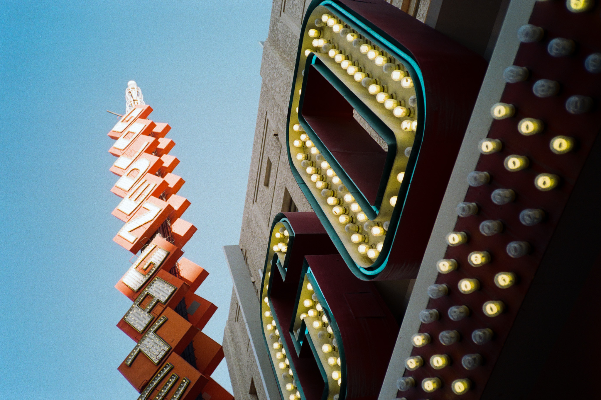 Superia200-Vegas-3.jpg