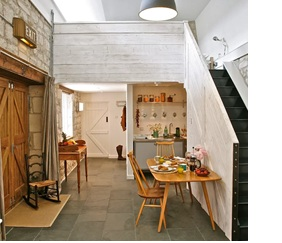 Painswick Studio - Mayfield Studio is a quiet, contemporary, spacious self-contained apartment in the village of Painswick in the Cotswolds.A perfect base for exploring the Cotswolds and relaxing in style.30 minute walk or short drive to pub