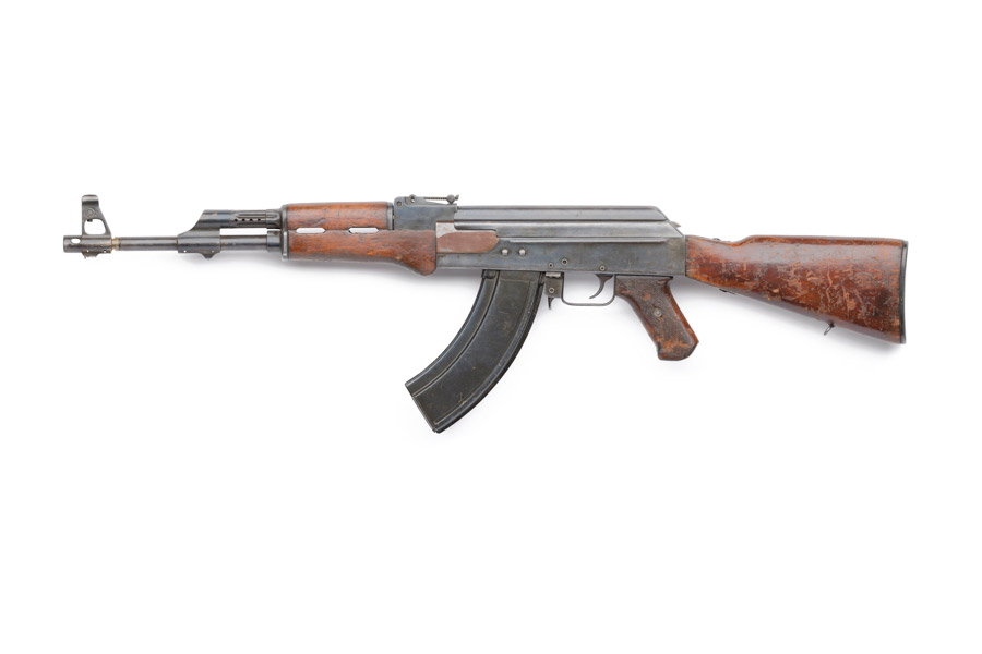 AK-47_Type_1_Central_Museum_Left_v3.jpg