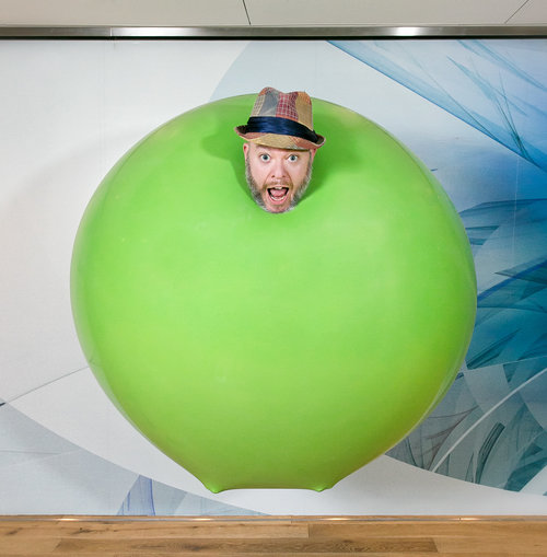 Jungle Jim gets into a 6-foot balloon!