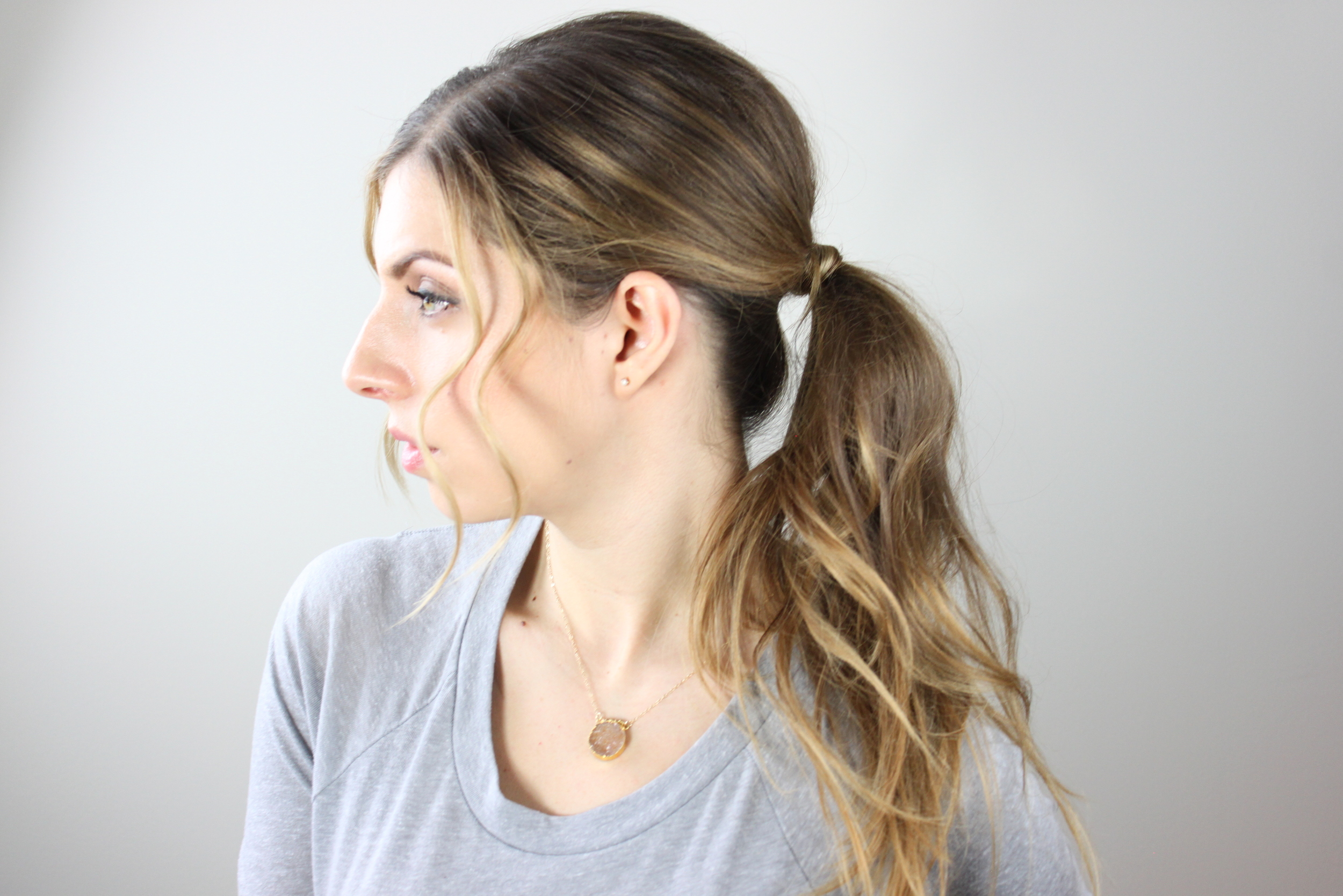 basic ponytail with volume tutorial