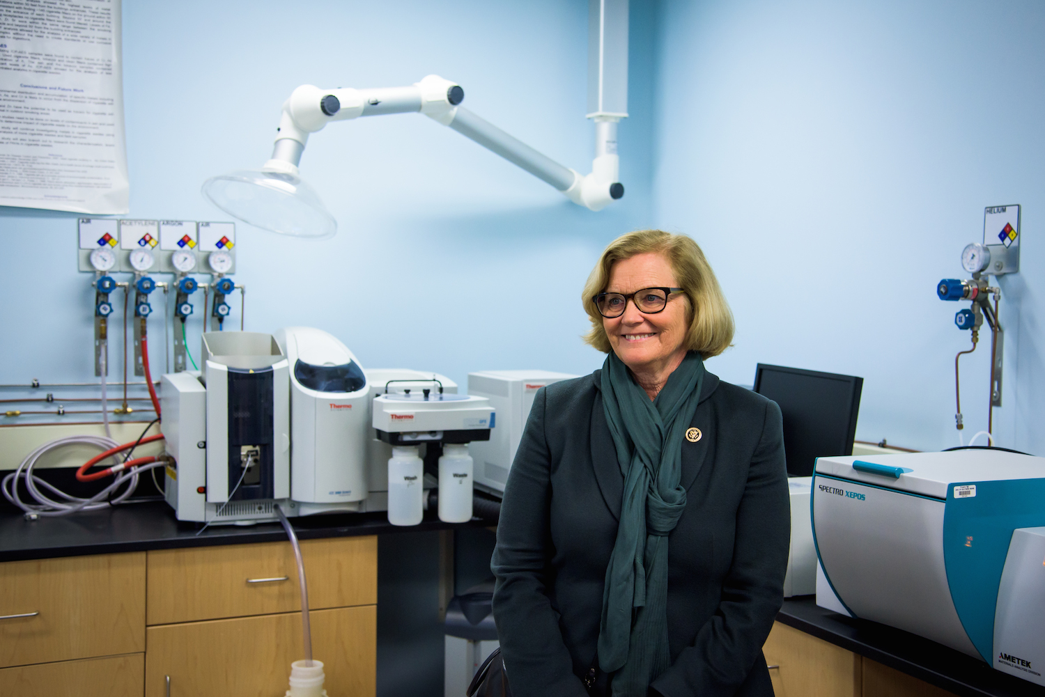 Congresswoman Chellie Pingree at a new lab at USM in Portland dedicated to providing quality control assessment technology to Maine brewers.