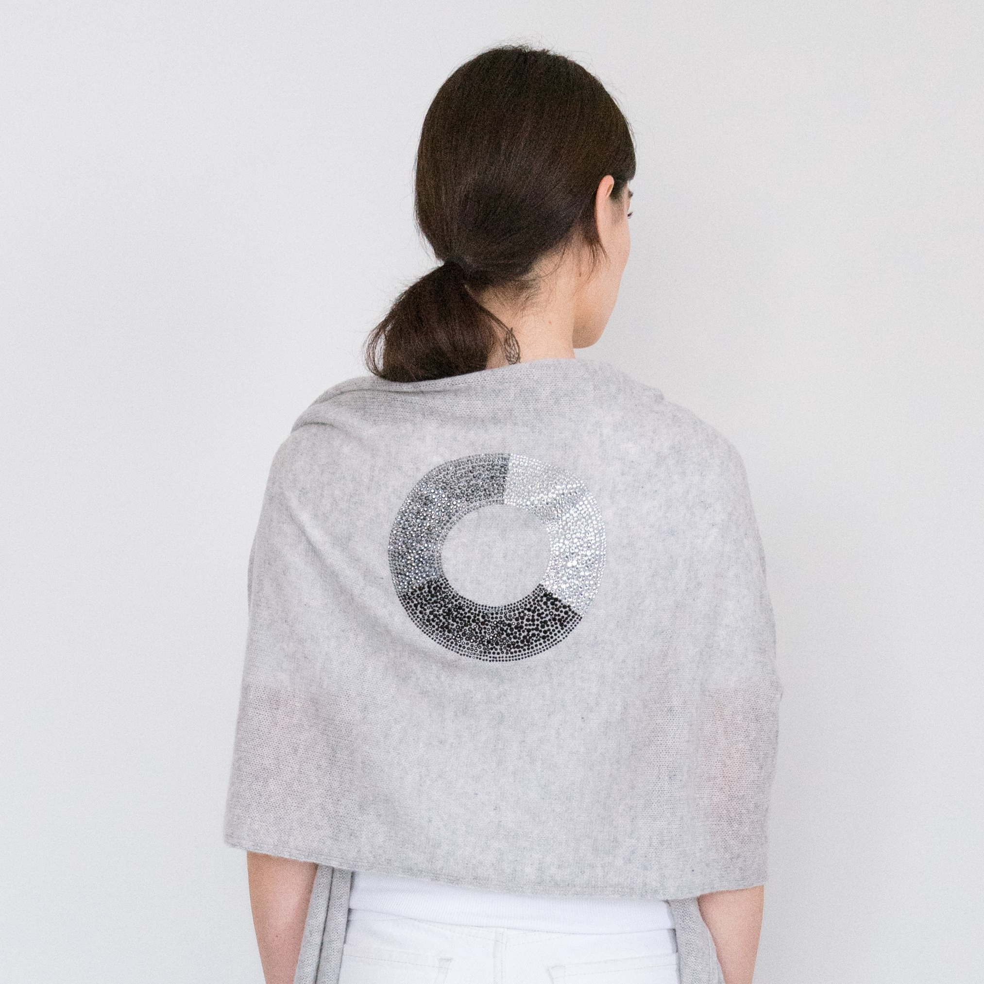 - 3-Color Ring Black Crystal on Light Heather Grey Cashmere