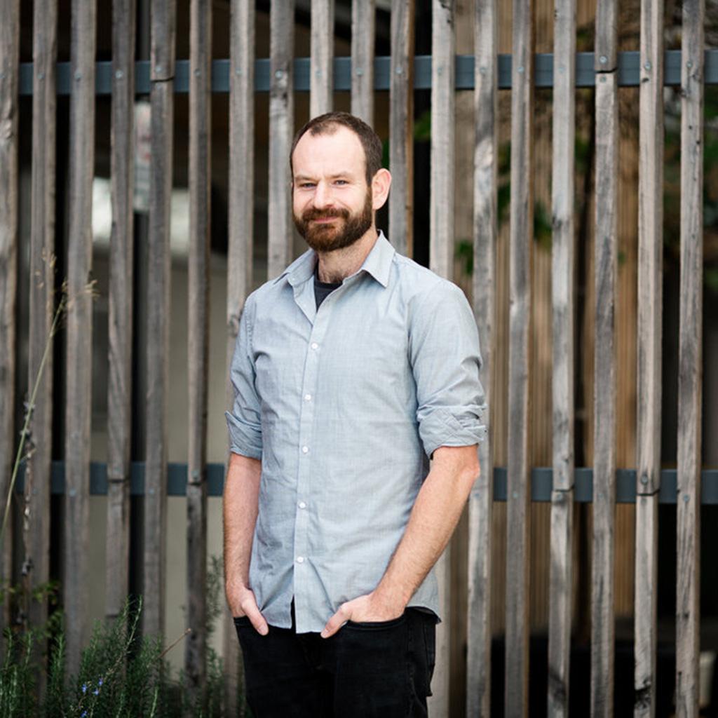NinaHamilton-TasmanianPhotographer-HeadShot-MaguireDevine-Web-17.jpg
