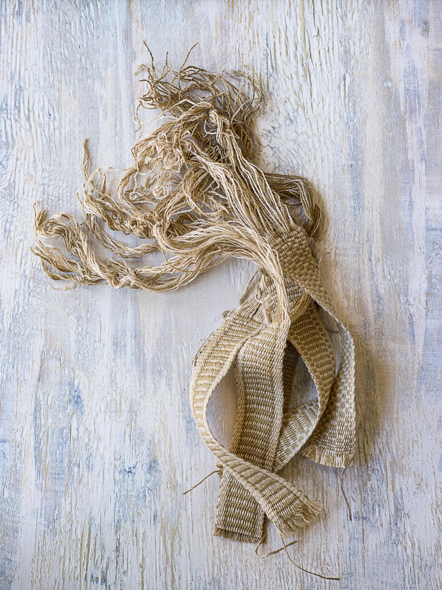 Cut ends of linen tape