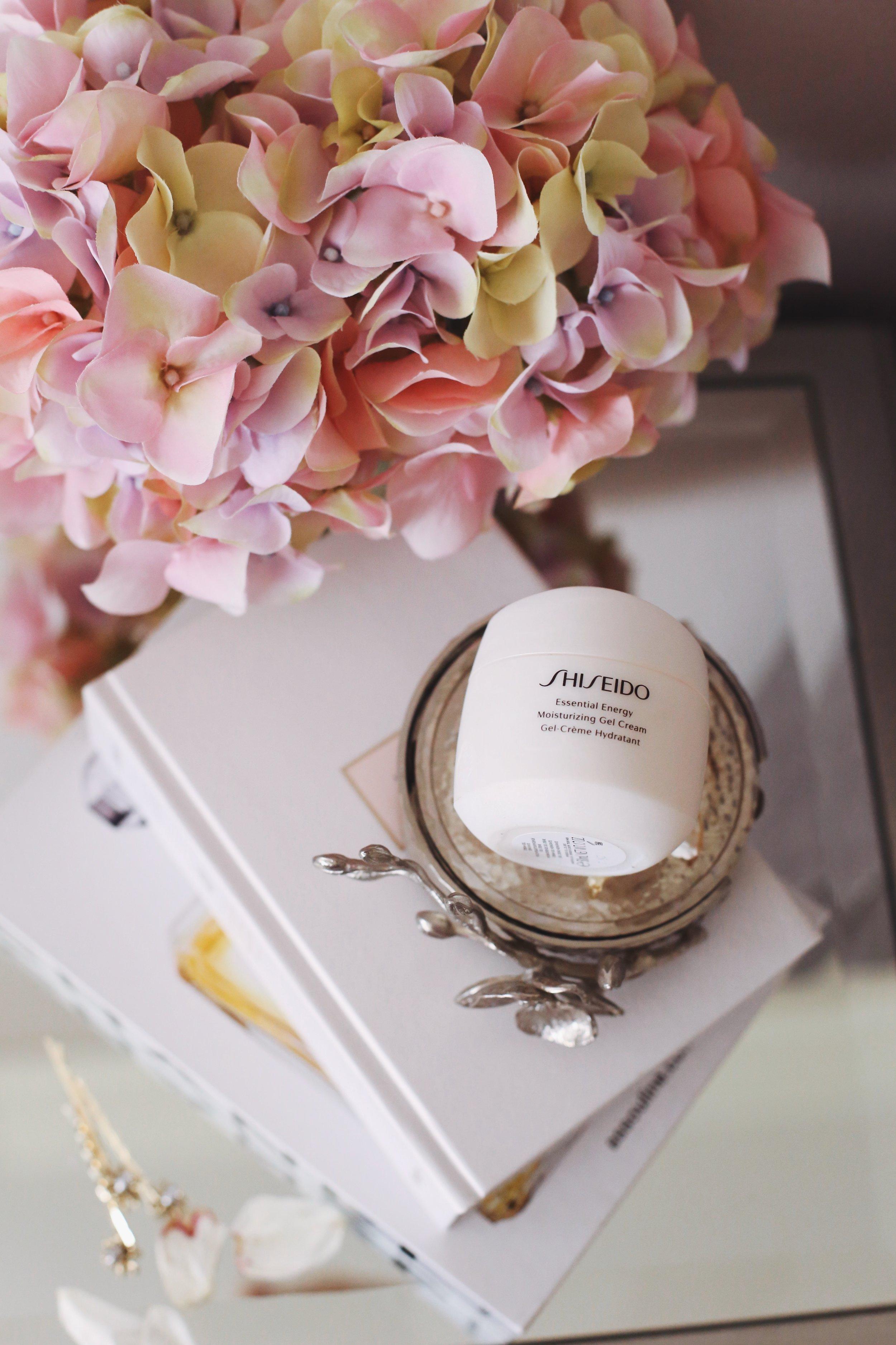 Shiseido Essential Energy Moisturizing Gel Cream ($48) - Targeting:✔Loss of firmness✔Dryness