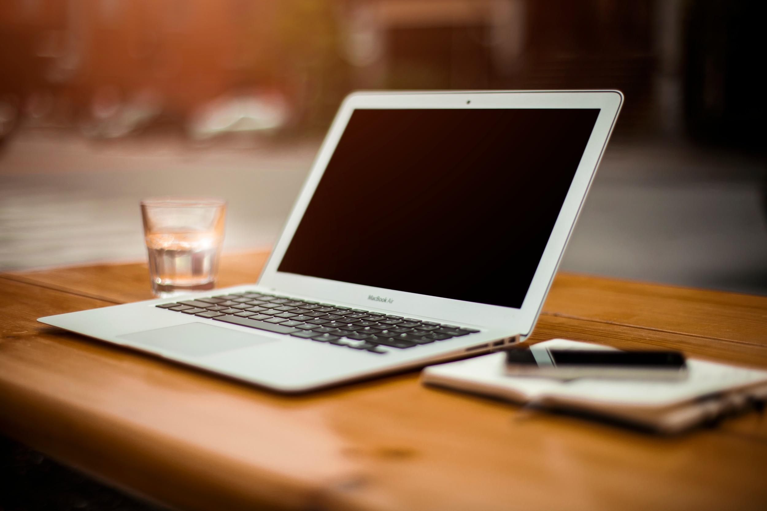 macbook-air-all-faded-and-stuff.jpg