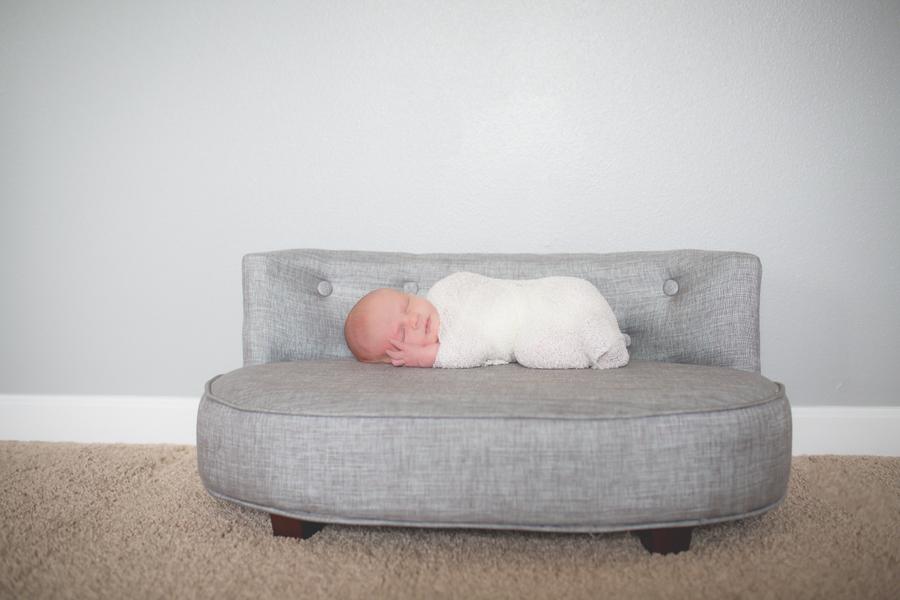 04-NewbornMathis-19.jpg