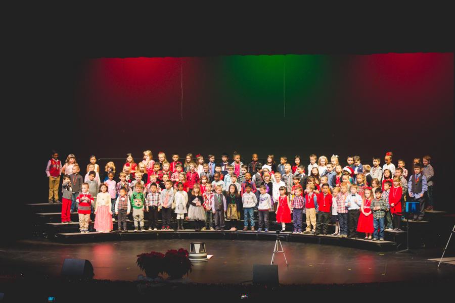 43-Kindergarten Performance-1.jpg