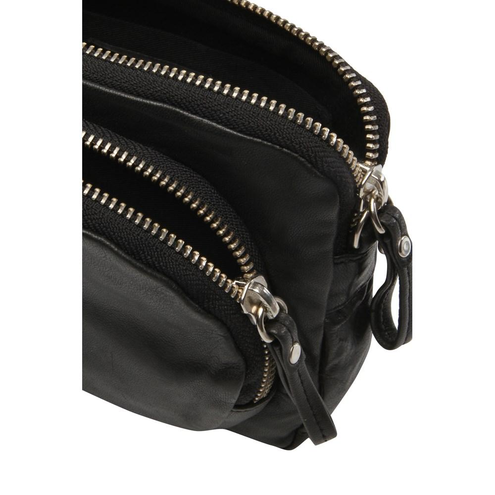 filippa-k-mini-leather-bag-3500781-1000x1000.jpg