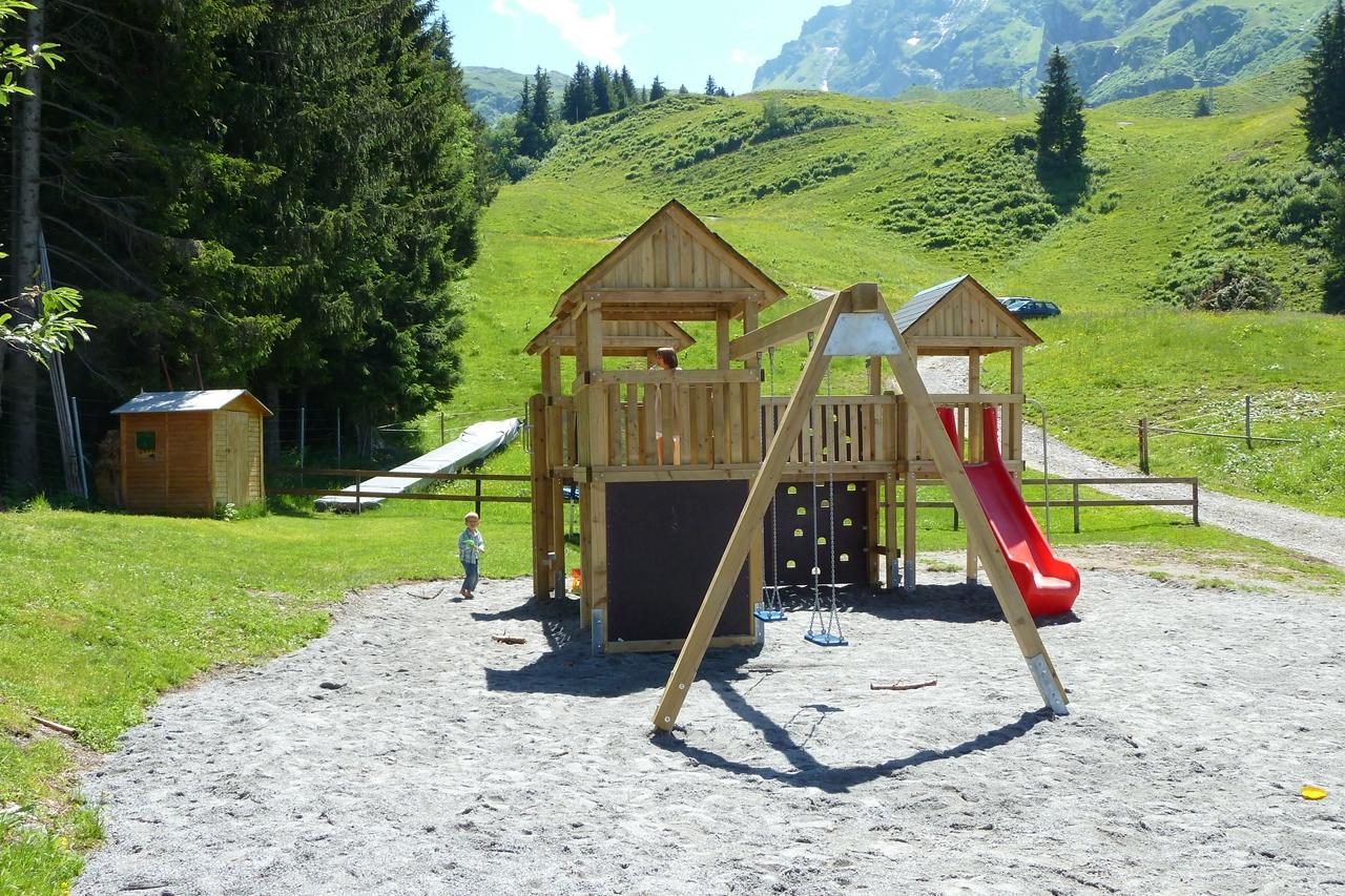 Kinderspielplatz2.JPG