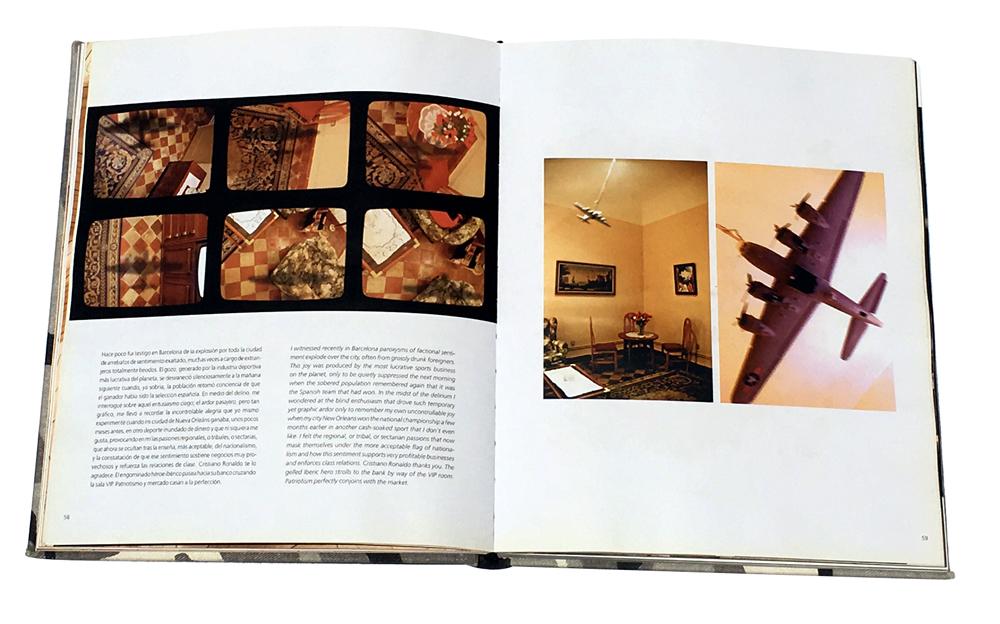 Paginas del catálogo de la exposición  Actos Heróicos