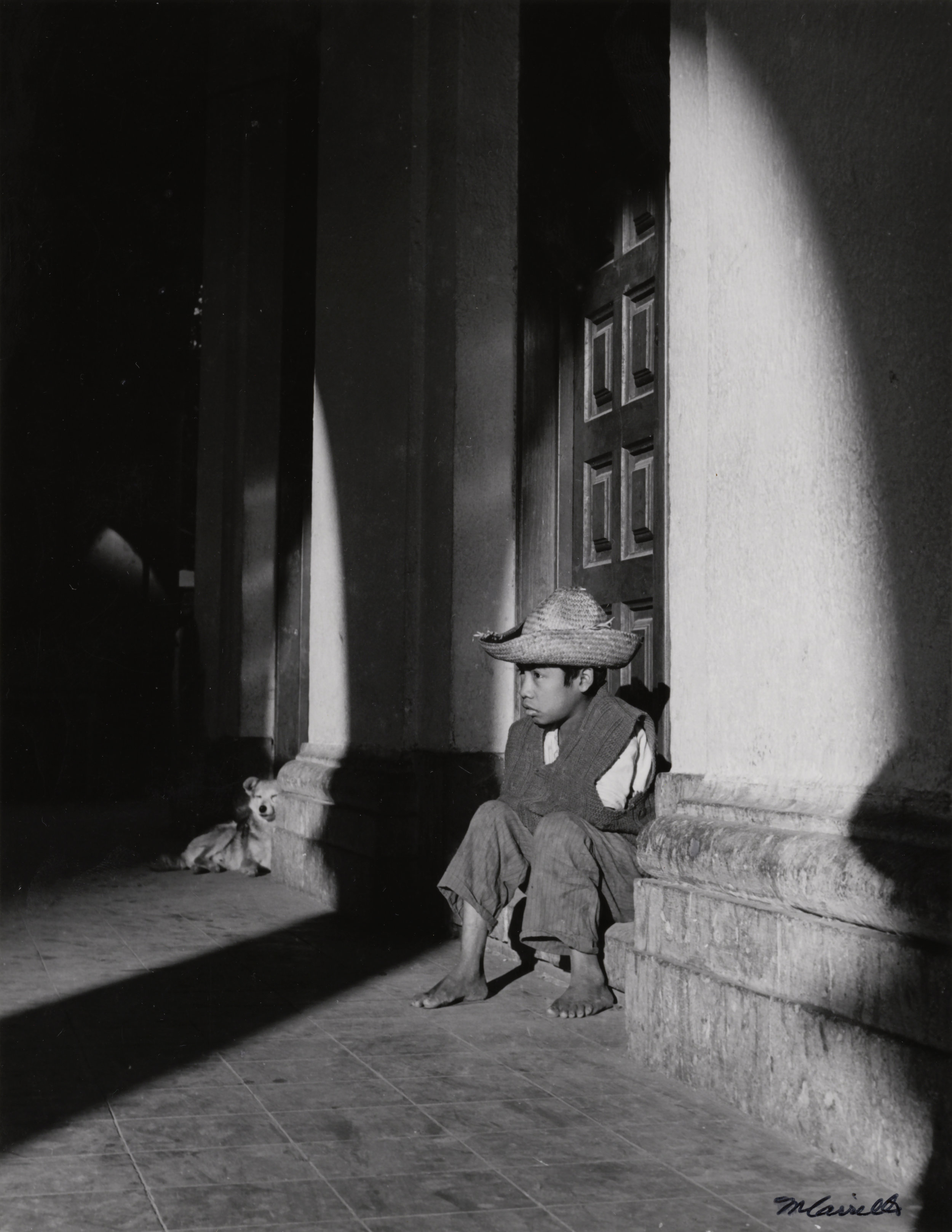 Boy Seated on Step in Doorway  (Teziutlán, Puebla), 1971. Black & White photograph on paper. 8 x 10
