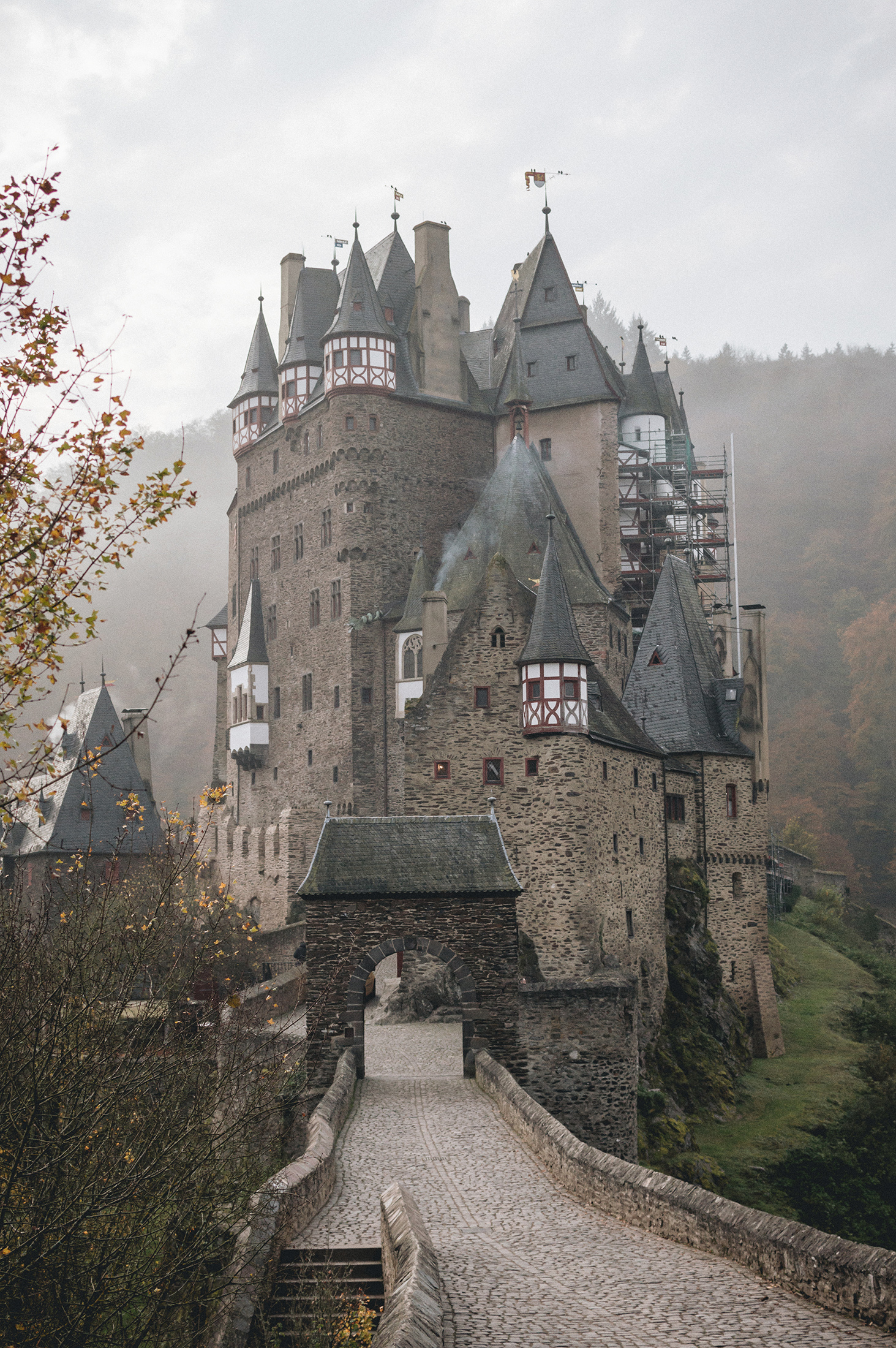 eltz germany autumn burg