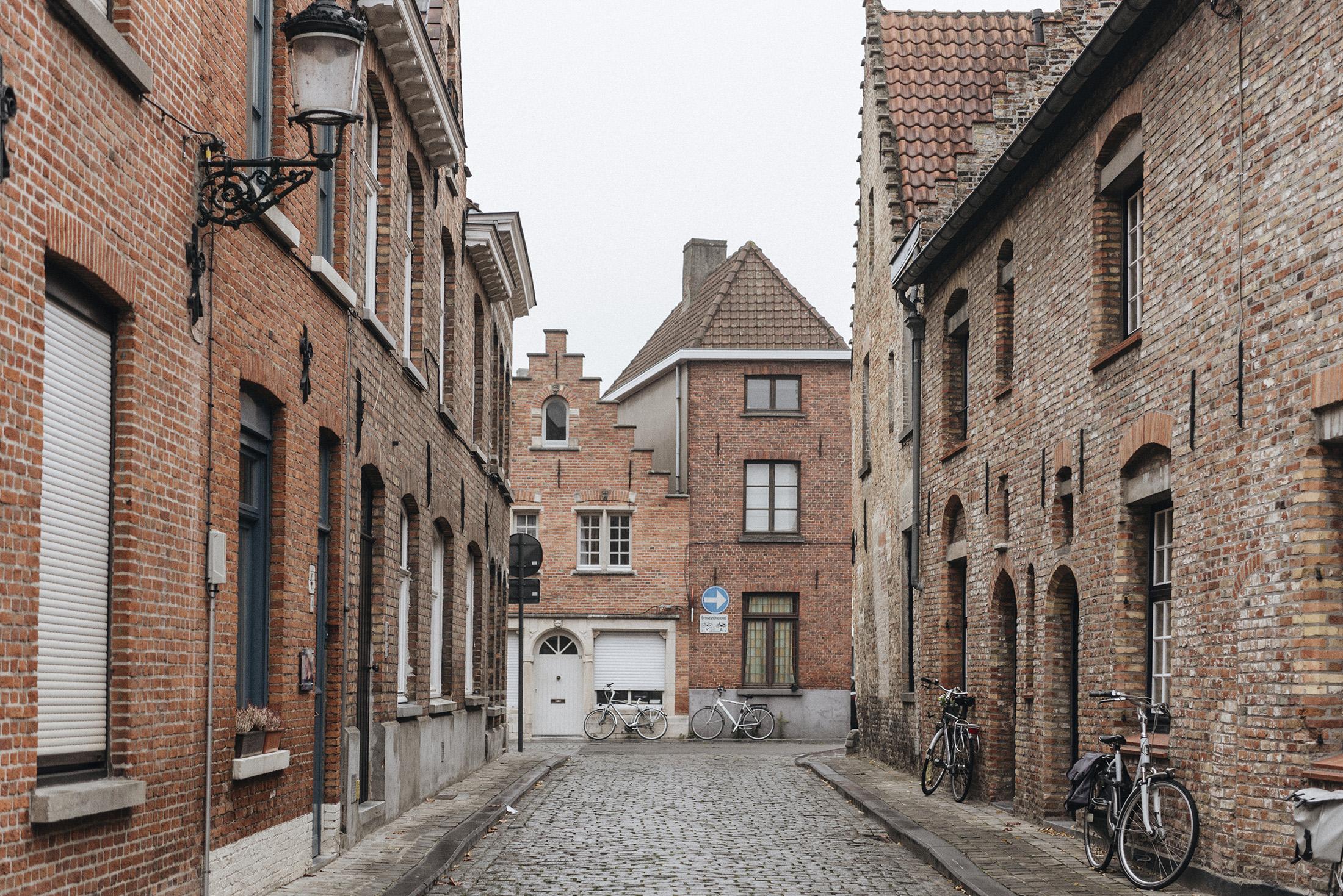 street Bruges - Patricia Martins yellowish blog