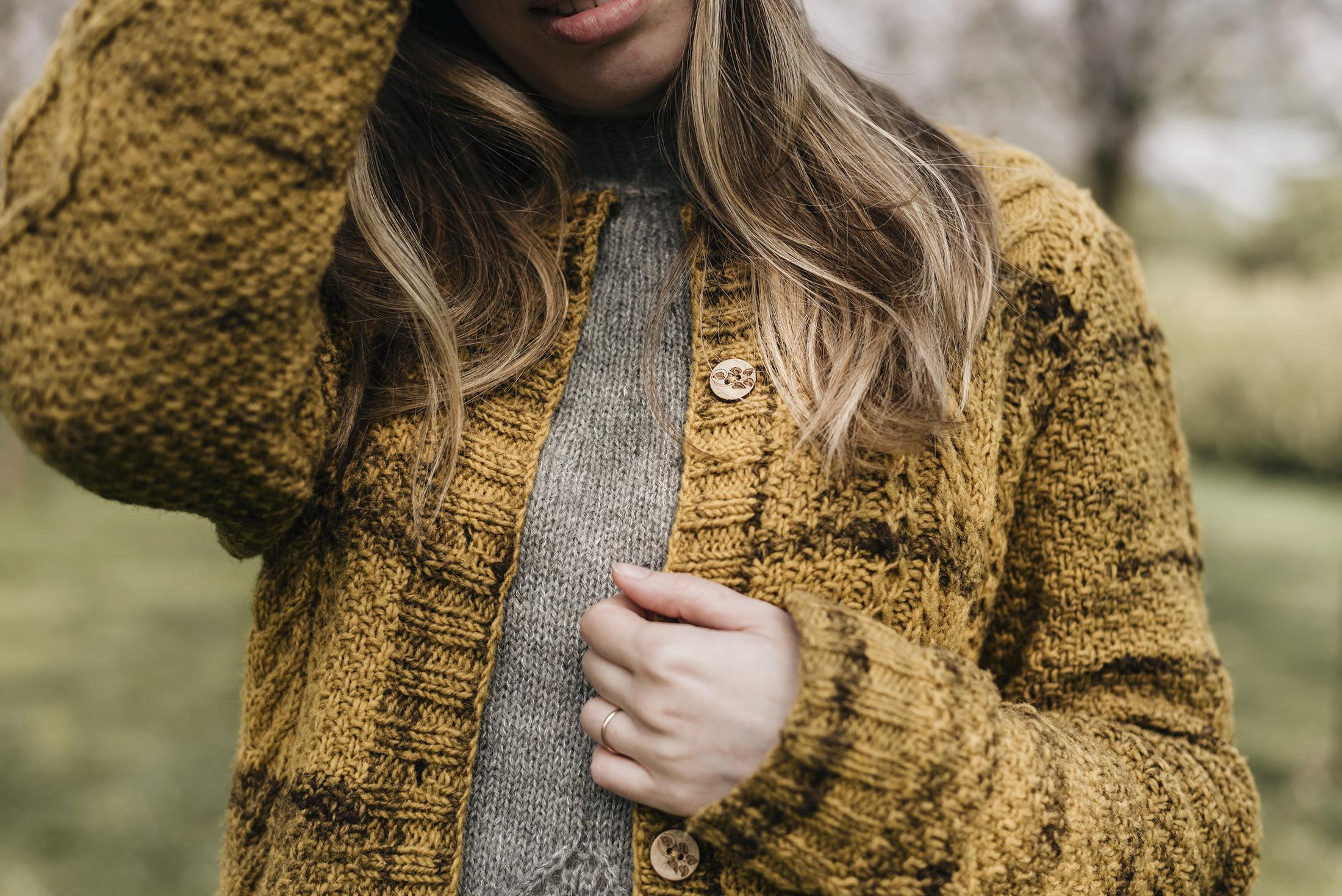 detail knitting cardigan