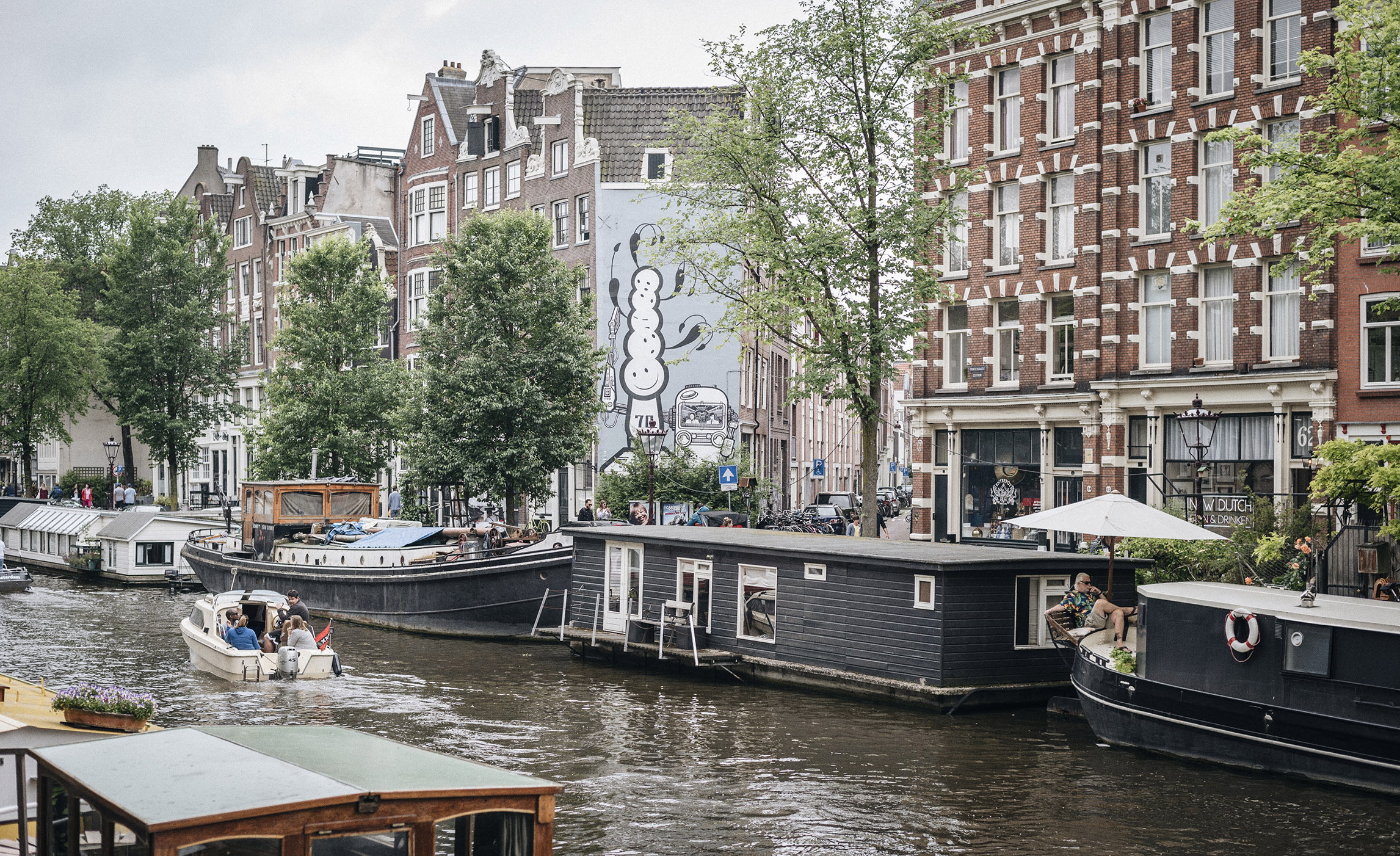 canal Amsterdam lifestyle street photography