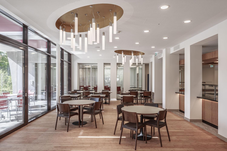 Alters- und Pflegezentrum Wägelwiesen - Holzstuhl Viena