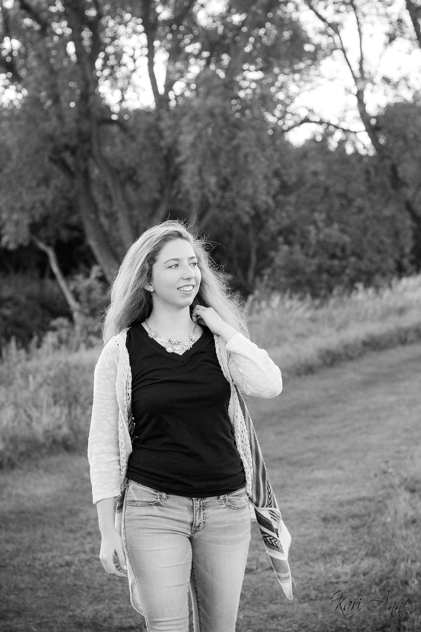 Ellen Schuebel Pope Farms Park Senior_0011.jpg