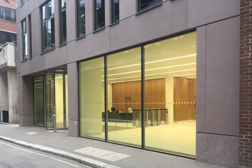 Fetter Lane - Holborn, London, UKMaterialsBianco Crystal & Dakota Mahogany GraniteSecret Fix Anchor Support SystemU-value Assessment