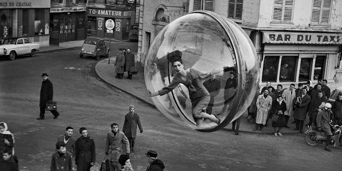 """Melvin Sokolsky's """"Paris Pictures"""""""