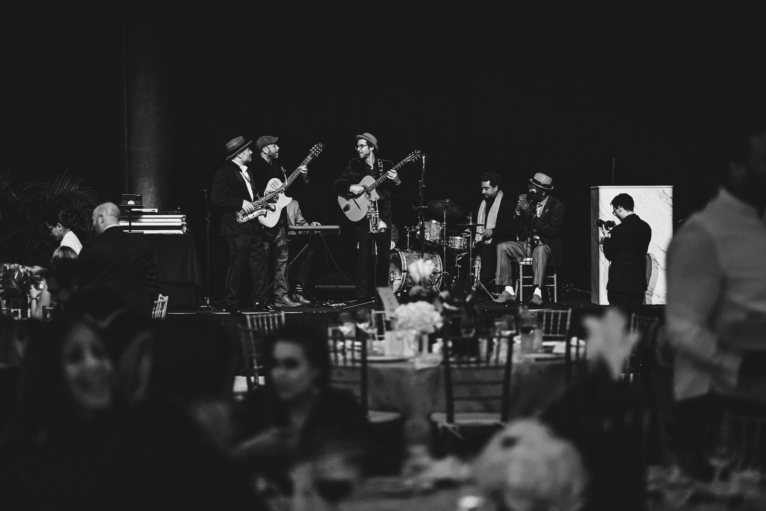 From jazz dinner concerts to corporate events, the french collective brings the perfect combination of sound & taste. -